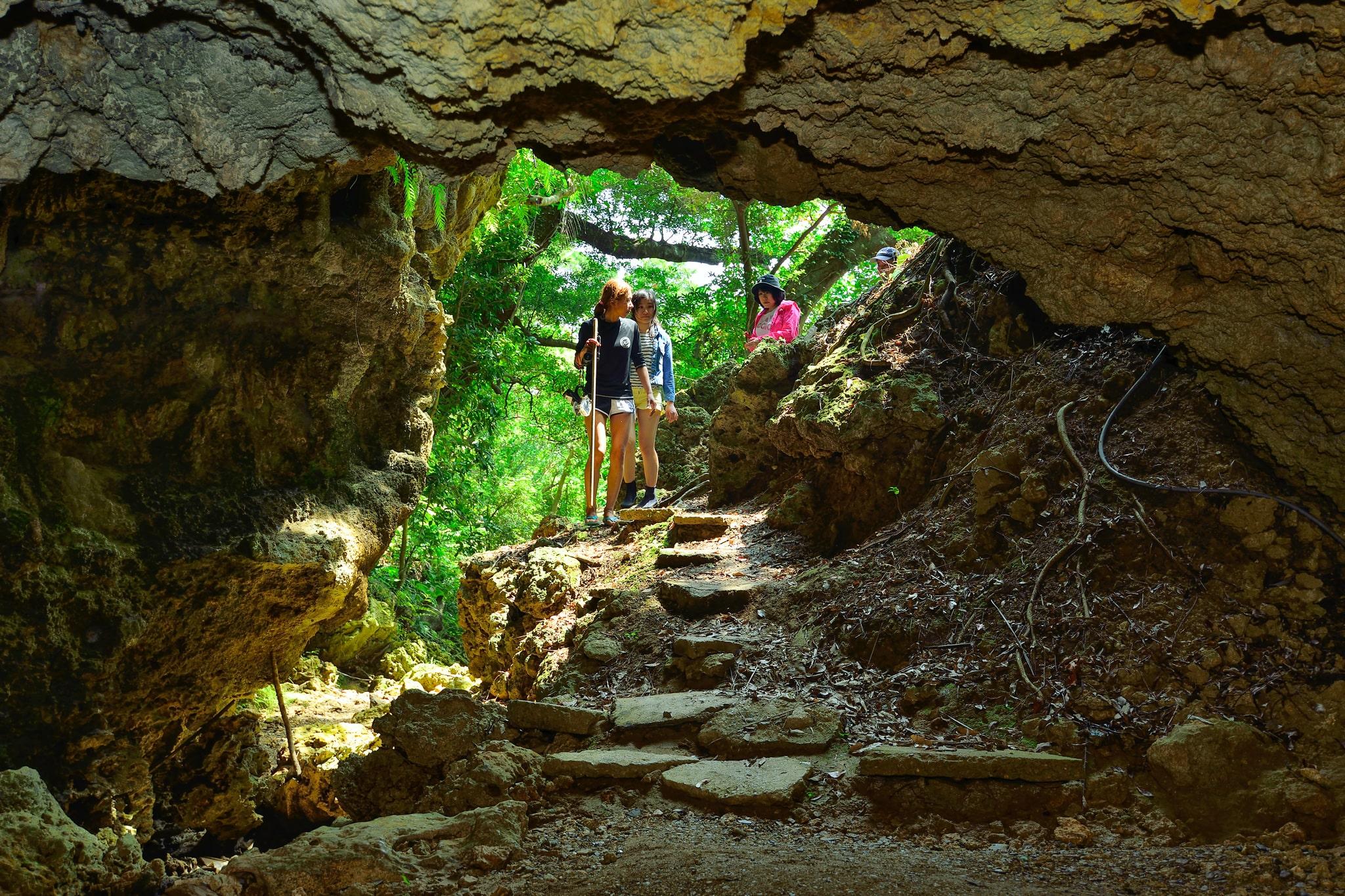 鍾乳洞・秘境パワースポットの探検