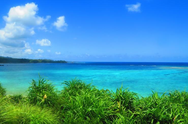 青い空に青い海。本日1DAYツアーでの秘密スポット。