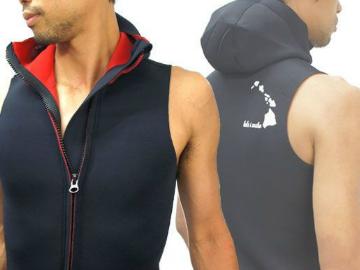 ・フードベストの着用 特に寒がりな方向けに頭まですっぽり覆われるフードベストの着用を勧めております。 水の浸入も通常より大幅に防いでくれます。