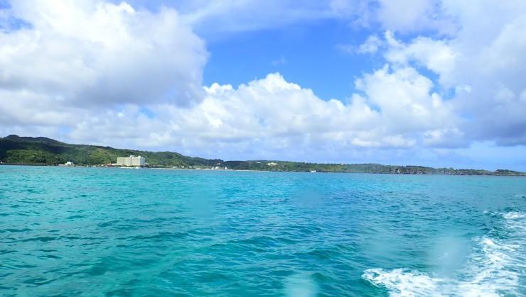 (青い海と青い空)
